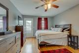 917 Crownhill Dr - Photo 13