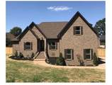 MLS# 2300507 - 443 Cumberland Hills Dr in Cumberland Place Sec 1 Subdivision in Hendersonville Tennessee - Real Estate Home For Sale