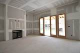 5011 Wallaby Dr (360) - Photo 12