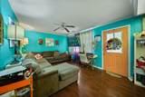 818 Riverside Cir - Photo 3