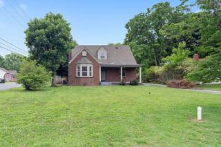MLS# 2261151 - 614 5th Ave in None in Springfield Tennessee 37172