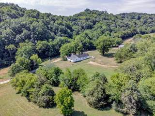 MLS# 2269113 - 6553 Lickton Pike in None in Goodlettsville Tennessee 37072