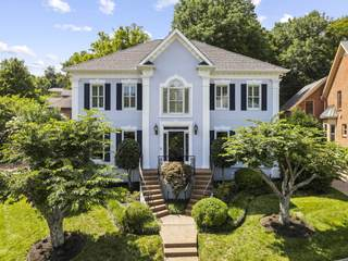 MLS# 2273884 - 11 Thorndale Ct in Burton Hills/Abbeywood in Nashville Tennessee 37215
