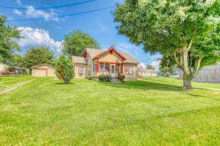 MLS# 2274334 - 2461 Old Greenbrier Pike in None in Greenbrier Tennessee 37073