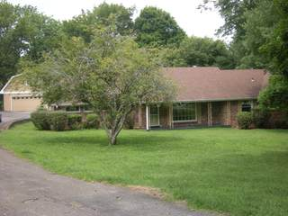 MLS# 2280896 - 1300 Saunders Ave in Oakland Acres in Madison Tennessee 37115