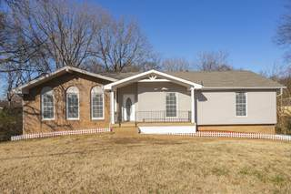 MLS# 2287039 - 1229 Cheyenne Ct in Sequoia Valley in Madison Tennessee 37115
