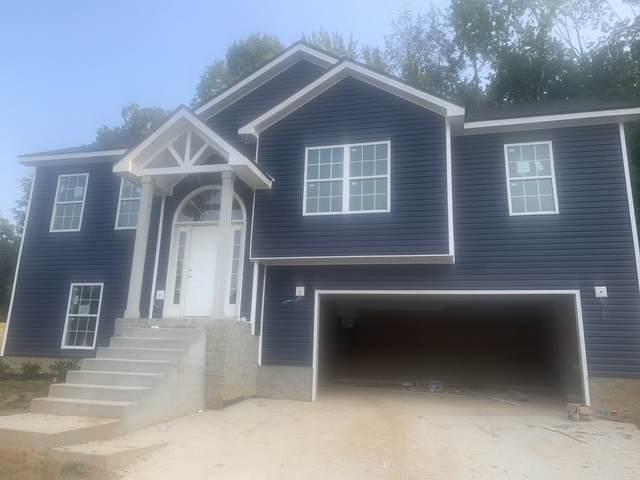 27 Woodland Hills, Clarksville, TN 37040 (MLS #RTC2235521) :: Kimberly Harris Homes