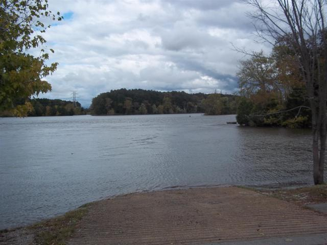 425 Lago Vista Dr, Lebanon, TN 37087 (MLS #1774322) :: Nashville On The Move