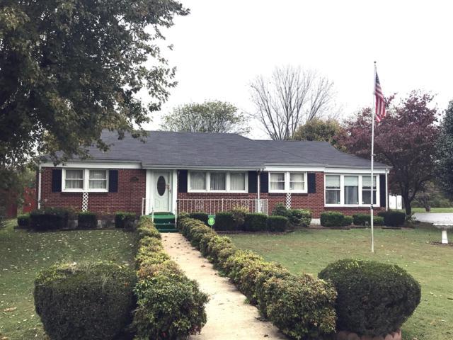 904 Nichols St, Pulaski, TN 38478 (MLS #1874727) :: DeSelms Real Estate