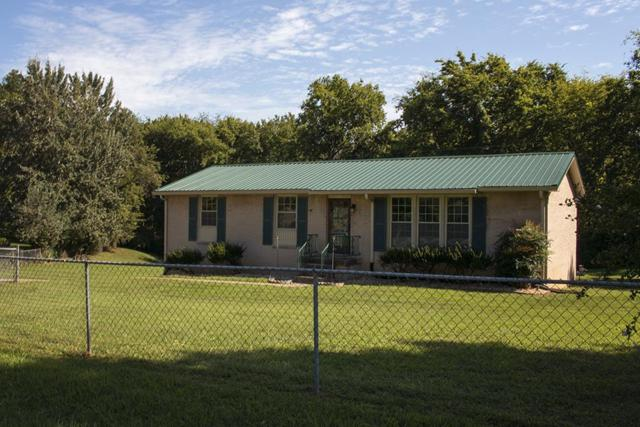 210 Andrew Dr, Clarksville, TN 37042 (MLS #1883176) :: Felts Partners