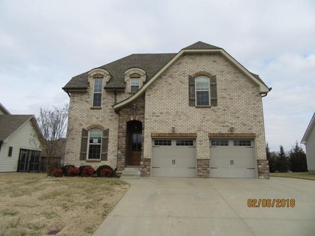 951 Willow Cir, Clarksville, TN 37043 (MLS #1902386) :: DeSelms Real Estate