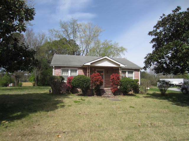 2689 Huntsville Hwy, Fayetteville, TN 37334 (MLS #1921056) :: The Kelton Group