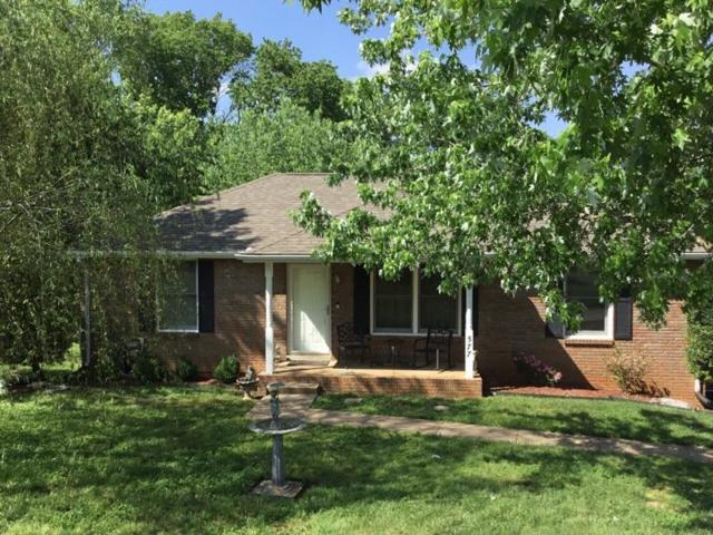 577 Briarwood Dr, Clarksville, TN 37040 (MLS #1929922) :: CityLiving Group
