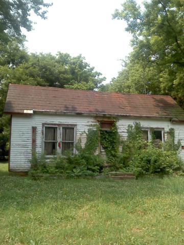 217 Flower St E, Pulaski, TN 38478 (MLS #1940159) :: Nashville On The Move