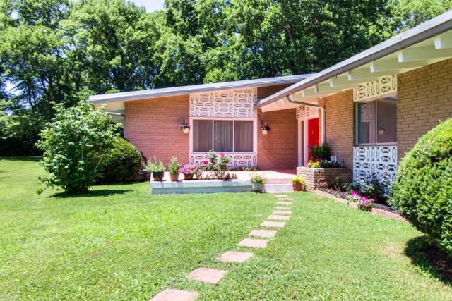 5204 Williamsburg Rd, Brentwood, TN 37027 (MLS #1950231) :: The Kelton Group