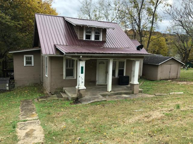177 W Walnut St, Erin, TN 37061 (MLS #1985132) :: John Jones Real Estate LLC