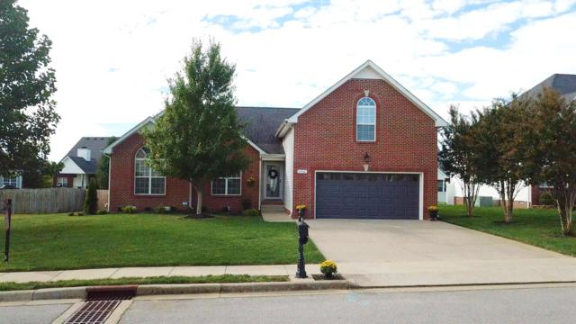 1160 Meadow Knoll Ln, Clarksville, TN 37040 (MLS #1986368) :: The Kelton Group