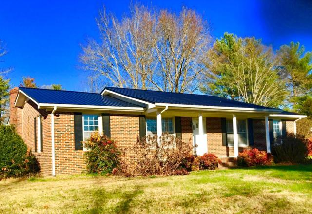 424 Lagoon Dr, McMinnville, TN 37110 (MLS #1997396) :: DeSelms Real Estate