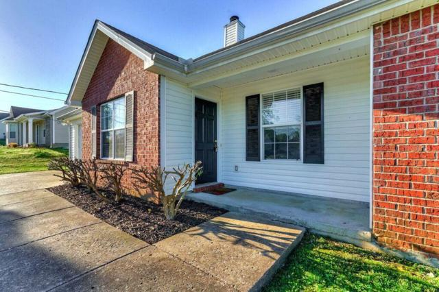 1305 Lyndsey Ridge Dr, LaVergne, TN 37086 (MLS #2031783) :: DeSelms Real Estate