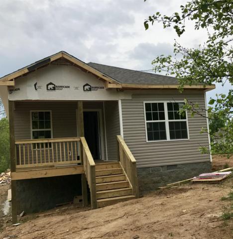 526 Center Ave, Dickson, TN 37055 (MLS #RTC2036442) :: John Jones Real Estate LLC