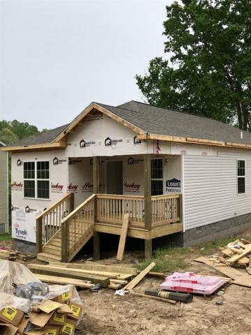 528 Center Ave, Dickson, TN 37055 (MLS #RTC2036445) :: John Jones Real Estate LLC