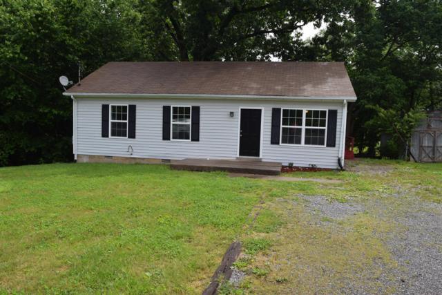 2809 Lark Dr, Clarksville, TN 37040 (MLS #RTC2041044) :: FYKES Realty Group