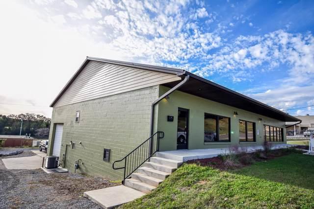 614 N Spring St, Clarksville, TN 37040 (MLS #RTC1983335) :: FYKES Realty Group