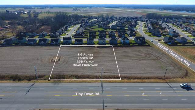 2 Tiny Town Rd, Clarksville, TN 37042 (MLS #RTC2006812) :: FYKES Realty Group