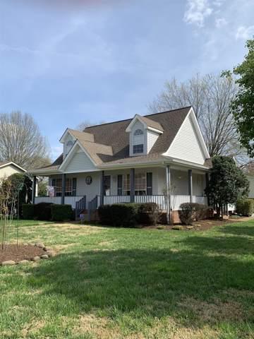 401 Highland Dr, White House, TN 37188 (MLS #RTC2043541) :: DeSelms Real Estate