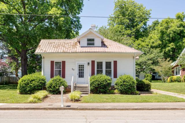 307 N Jefferson St, Winchester, TN 37398 (MLS #RTC2043542) :: DeSelms Real Estate