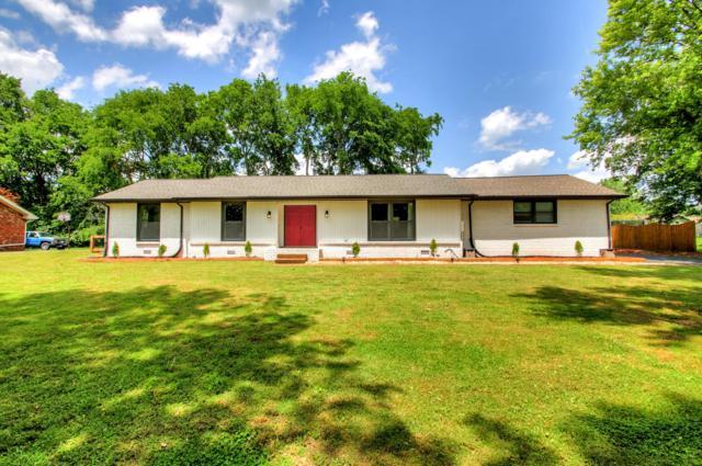 1042 Woodmont Dr, Gallatin, TN 37066 (MLS #RTC2043617) :: DeSelms Real Estate