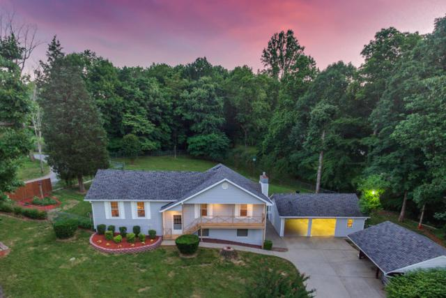 1004 Red Oak Dr, Greenbrier, TN 37073 (MLS #RTC2044371) :: Hannah Price Team
