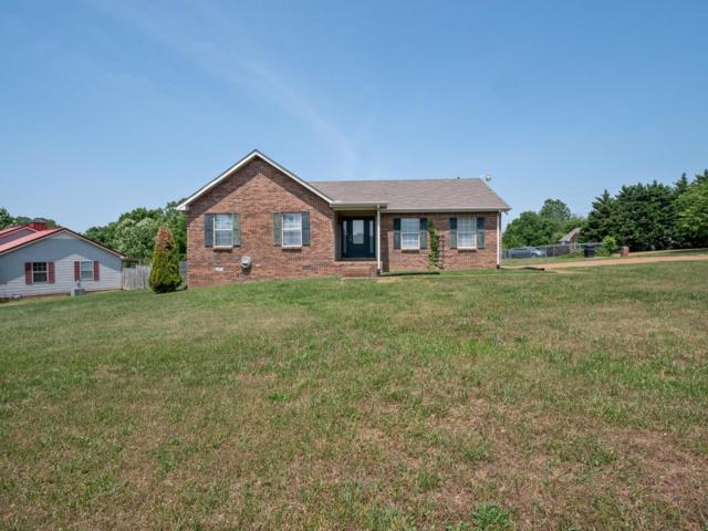 4000 Quail Ct W, Greenbrier, TN 37073 (MLS #RTC2048383) :: Village Real Estate