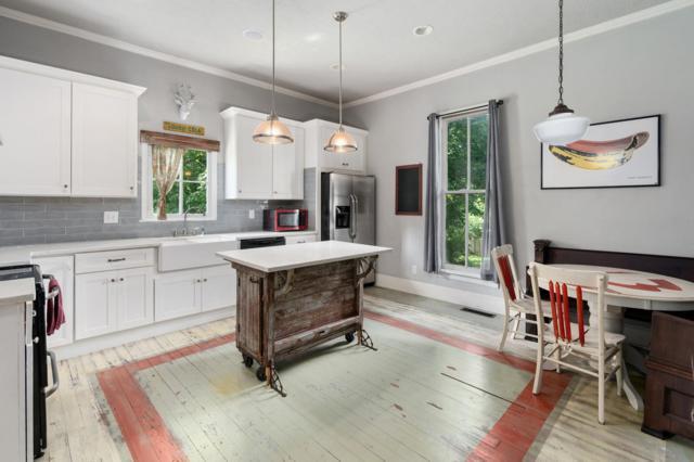 111 N Oak St, Springfield, TN 37172 (MLS #RTC2050192) :: Village Real Estate