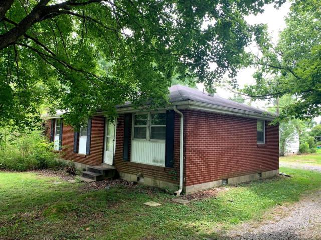 355 Dawn Dr, Cedar Hill, TN 37032 (MLS #RTC2053960) :: Village Real Estate
