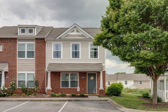 1027 Somerset Springs Dr, Spring Hill, TN 37174 (MLS #RTC2061437) :: Village Real Estate