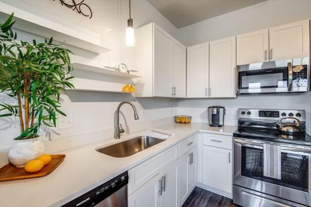 1900 12th Ave S #214, Nashville, TN 37203 (MLS #RTC2071163) :: Village Real Estate