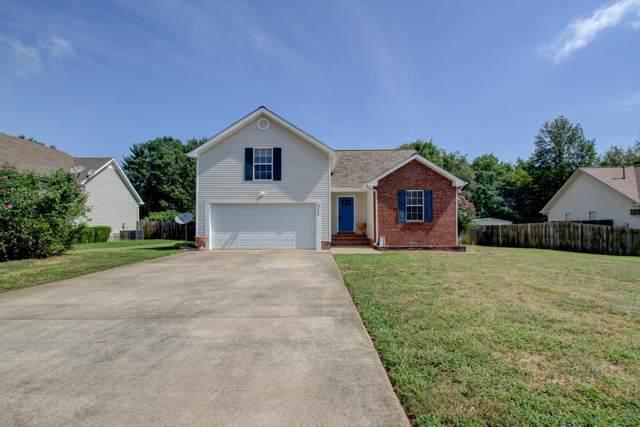 377 Woodtrace Dr, Clarksville, TN 37042 (MLS #RTC2074975) :: The Kelton Group
