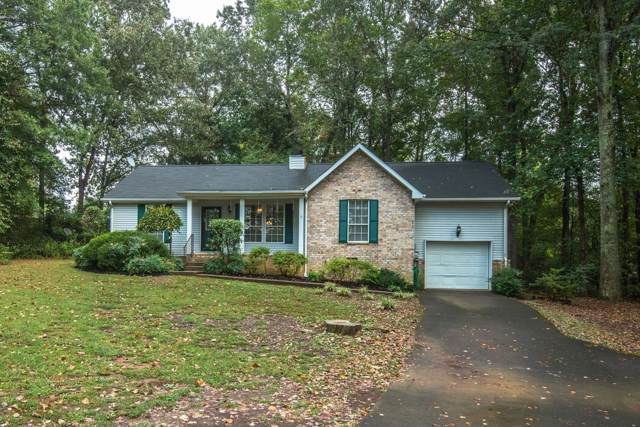 1402 Windhill Ct, Greenbrier, TN 37073 (MLS #RTC2086396) :: Village Real Estate