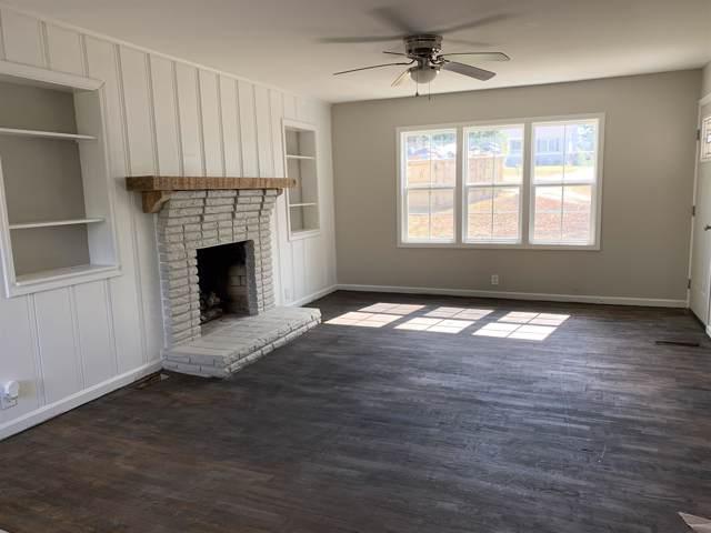 1001 Shelton Rd, Charlotte, TN 37036 (MLS #RTC2086813) :: Village Real Estate