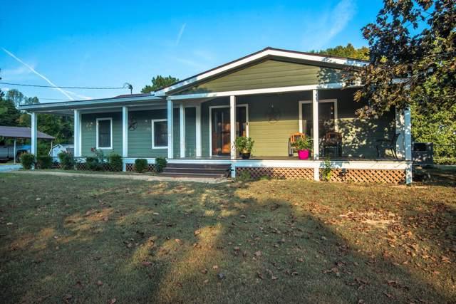 665 White Oak Flatt Rd, Charlotte, TN 37036 (MLS #RTC2087126) :: Village Real Estate