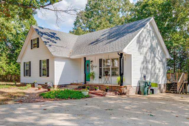 136 Friar Tuck Dr, Dickson, TN 37055 (MLS #RTC2087180) :: Village Real Estate