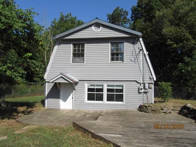 1090 Charlie Read Rd, Chapmansboro, TN 37035 (MLS #RTC2090868) :: DeSelms Real Estate