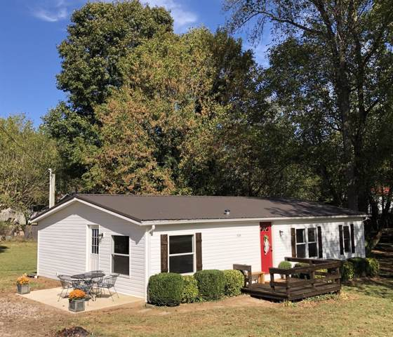 208 Lum St, Sparta, TN 38583 (MLS #RTC2091034) :: Berkshire Hathaway HomeServices Woodmont Realty