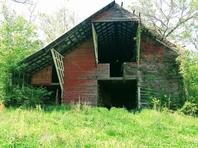 6108 Hassells Creek Ln, Centerville, TN 37033 (MLS #RTC2091356) :: CityLiving Group