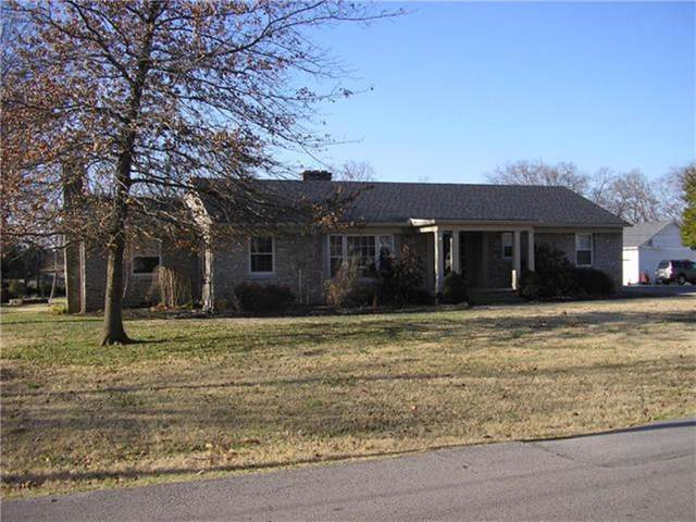249 W. End Heights, Lebanon, TN 37087 (MLS #RTC2095412) :: The Miles Team | Compass Tennesee, LLC