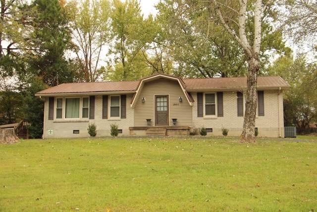 1901 Woodruff Ave, Greenbrier, TN 37073 (MLS #RTC2097156) :: Village Real Estate