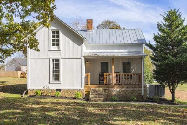 3200 Vanleer Hwy, Charlotte, TN 37036 (MLS #RTC2097991) :: Village Real Estate