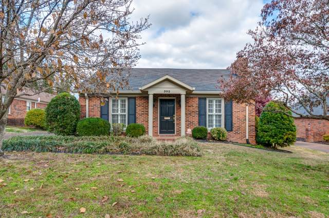 302 W 6th St, Columbia, TN 38401 (MLS #RTC2101186) :: The Easling Team at Keller Williams Realty