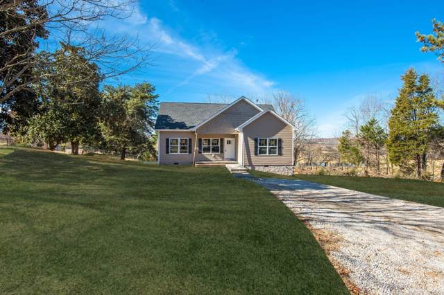 2011 Ridgecrest Circle, Dickson, TN 37055 (MLS #RTC2102867) :: Nashville on the Move